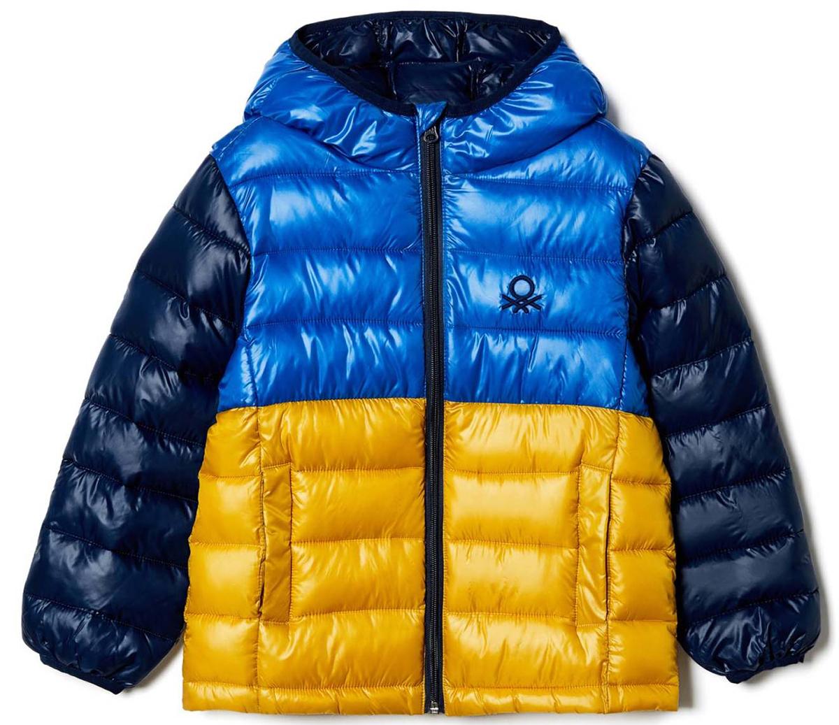 Куртка для мальчика United Colors of Benetton, цвет: синий, желтый. 2GK4539T0_33M. Размер 1602GK4539T0_33MКуртка для мальчика United Colors of Benetton выполнена из полиэстера. Модель с капюшоном и длинными рукавами застегивается на застежку-молнию.
