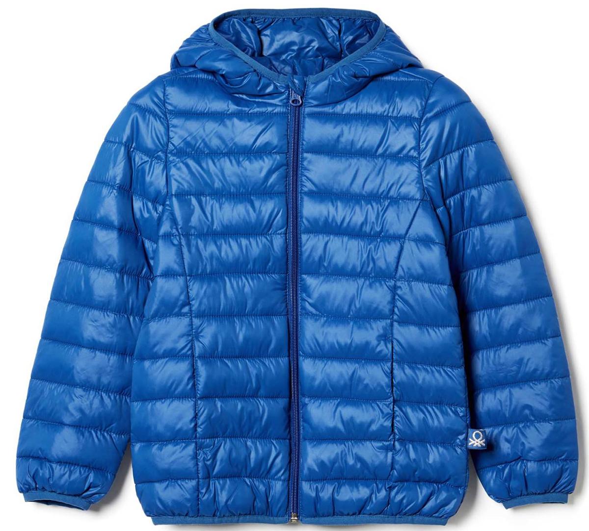 Куртка для девочки United Colors of Benetton, цвет: синий. 2RQ453AO0_13C. Размер 1302RQ453AO0_13CКуртка для девочки United Colors of Benetton выполнена из полиэстера. Модель с капюшоном застегивается на застежку-молнию.