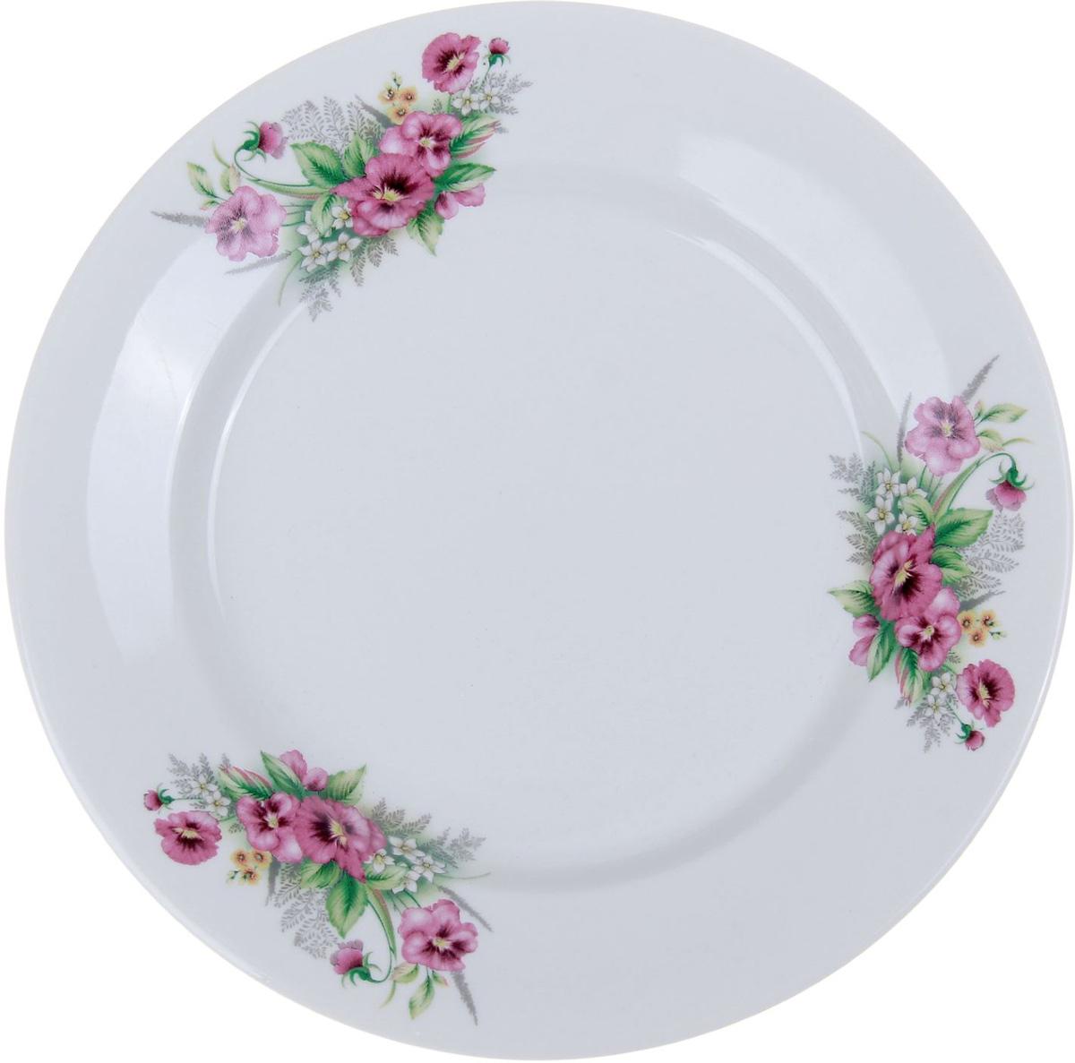 Тарелка мелкая Фарфор Вербилок Виола, диаметр 20 см. 10168231016823От качества посуды зависит не только вкус еды, но и здоровье человека. Тарелка - товар, соответствующий российским стандартам качества. Любой хозяйке будет приятно держать его в руках. С такой посудой и кухонной утварью приготовление еды и сервировка стола превратятся в настоящий праздник.