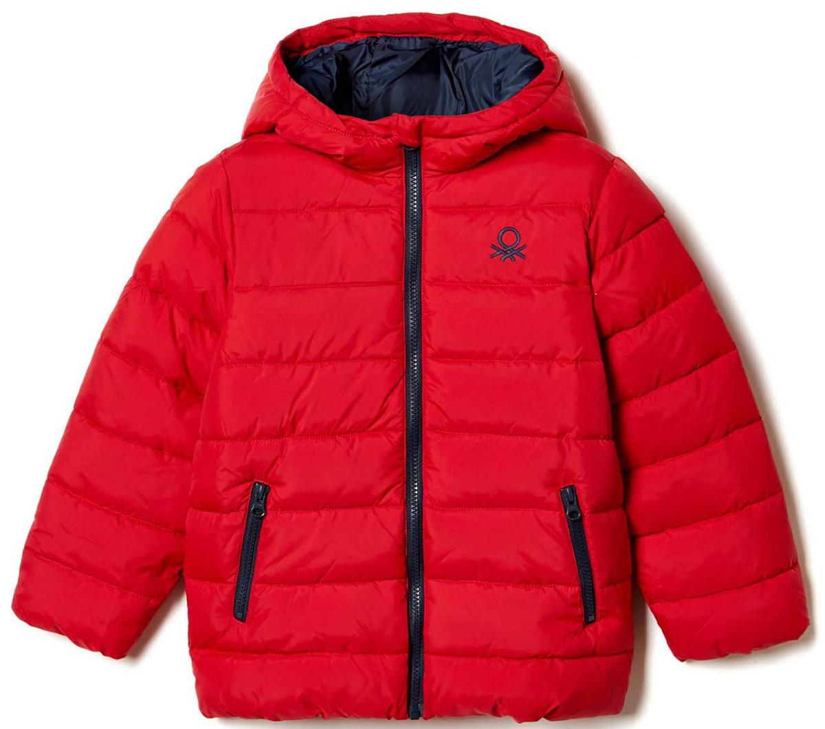 Куртка для мальчика United Colors of Benetton, цвет: красный. 2WU0539Q0_07C. Размер 1002WU0539Q0_07CКуртка для мальчика United Colors of Benetton выполнена из полиэстера. Модель с капюшоном и длинными рукавами застегивается на застежку-молнию.