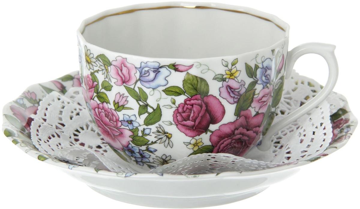 Чайная пара Фарфор Вербилок Роза с ромашкой, 2 предмета. 515093515093Столовый фарфор будто создан для комфортного чаепития в приятной компании или наедине с собственными мыслями.Набор чайный 2 предмета: чашка, блюдце отличается обаятельным дизайном: изделия комплекта украшены ярким цветочным принтом, дарующим жизнерадостное настроение даже в пасмурный день.Изящные модели из аристократической керамики требует деликатного ухода. Мыть чашку необходимо с особой аккуратностью, придерживая изделие не только за ручку, но и за дно.