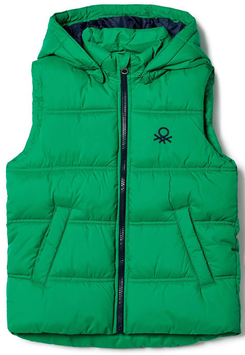 Жилет для мальчика United Colors of Benetton, цвет: зеленый. 2WU05G050_07K. Размер 1202WU05G050_07KЖилет для мальчика United Colors of Benetton выполнен из полиэстера. Модель с капюшоном застегивается на застежку-молнию.