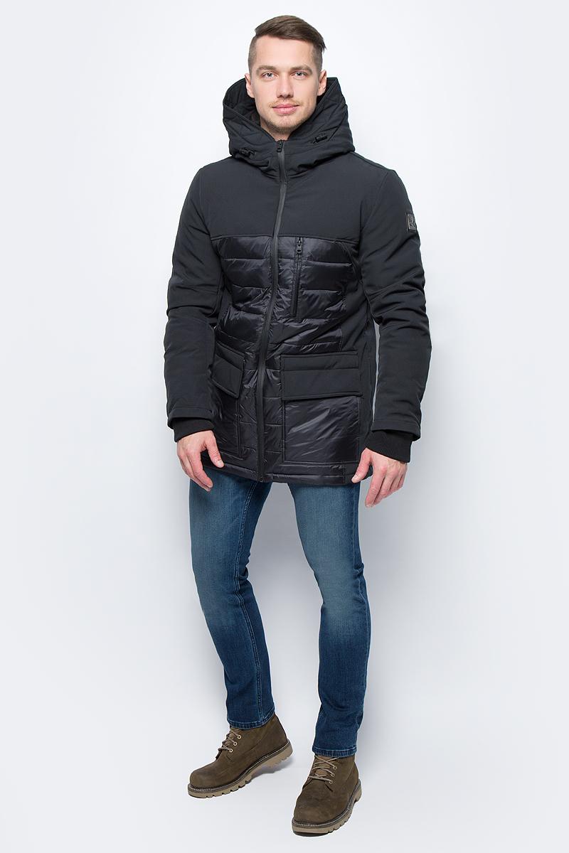 Куртка мужская Calvin Klein Jeans, цвет: черный. J30J305545_0990. Размер S (42/44)J30J305545_0990Куртка мужская Calvin Klein Jeans выполнена из полиамида. Модель с капюшоном и длинными рукавами застегивается на застежку-молнию.