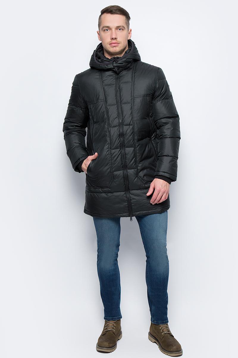 Куртка мужская Calvin Klein Jeans, цвет: черный. J30J305574_0990. Размер M (46/48)J30J305574_0990Куртка мужская Calvin Klein Jeans выполнена из полиэстера. Модель с капюшоном и длинными рукавами застегивается на застежку-молнию.