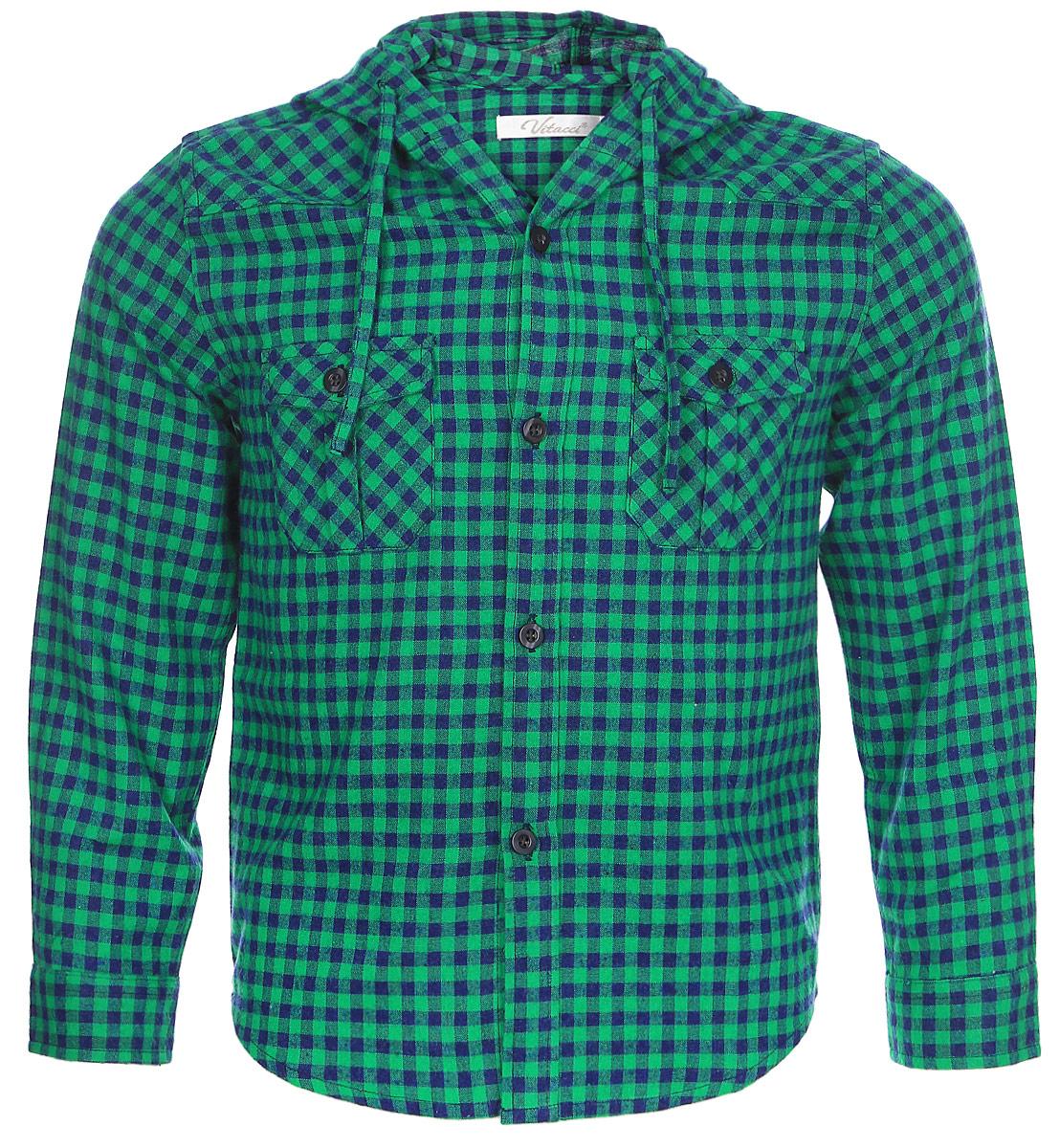 Рубашка для мальчика Vitacci, цвет: зеленый. 1161097-06. Размер 981161097-06Рубашка для мальчика Vitacci выполнена из хлопка с добавлением полиэстера. Модель с капюшоном и длинными рукавами застегивается по всей длине с помощью пуговиц. Рукава дополнены манжетами на пуговицах. Оформлена рубашка стильным принтом в клетку и спереди двумя накладными карманами с клапанами.