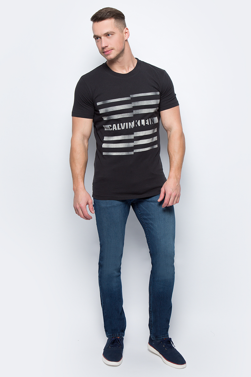 Футболка мужская Calvin Klein Jeans, цвет: черный. J30J305854_0990. Размер XL (48/50) футболка женская calvin klein jeans цвет бежевый j20j204833 размер xl 48 50