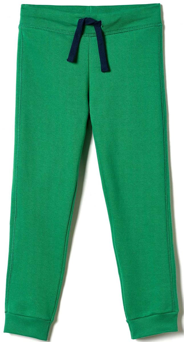 Брюки для мальчика United Colors of Benetton, цвет: зеленый. 3JD7I0449_327. Размер 1603JD7I0449_327Стильные брюки для мальчика идеально подойдут вашему ребенку для отдыха и прогулок. Изготовленные из качественного материала, они необычайно мягкие и приятные на ощупь, не сковывают движения и позволяют коже дышать, не раздражают даже самую нежную и чувствительную кожу ребенка, обеспечивая ему наибольший комфорт.