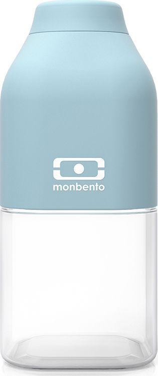 Бутылка для воды Monbento Positive, цвет: айсберг, 330 мл1011 01 119Многоразовая бутылка Monbento Positive вместимостью 330 мл пригодится в спортзале, на прогулке, дома, на даче. Благодаря своей квадратной форме бутылочка легко помещается в любую сумку и позволяет экономить пространство. Бутылка выдерживает температуры от -30° до 120°C, что позволяет наливать в нее холодный лимонад или воду, свежевыжатый сок, чай, кофе, а также любые газированные напитки. Крышка бутылки плотно фиксируется и обеспечивает полную герметичность. Покрытие корпуса обладает высоким уровнем ударостойкости: не протирается и не царапается. Благодаря этому бутылочка сохранит свой прекрасный внешний вид и прослужит вам очень долго.Забудьте про одноразовые пластиковые емкости - они не красивые, да и засоряют окружающую среду. А такая красота в руках точно привлечет взгляды окружающих. Изготовлена из безопасного пищевого пластика (BPA free). Можно мыть в посудомоечной машине.