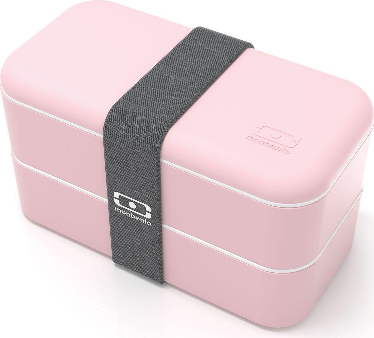 Ланч-бокс Monbento Original, цвет: личи, 1 л1200 12 106Ланчбокс Monbento Original изготовлен из высококачественного пищевого пластика с приятнымна ощупь прорезиненным покрытием soft-touch. Предназначен для хранения и переноски пищевыхпродуктов. Ланчбокс представляет собой два прямоугольных контейнера, в которых удобнохранить различные блюда. В комплекте также предусмотрена емкость для соуса, которая удобнопомещается в одном из контейнеров. Контейнеры вакуумные, что позволяет продуктам дольшеоставаться свежими и вкусными. Боксы дополнительно фиксируются друг над другомэластичным ремешком.Компактные размеры позволят хранить ланчбокс в любой сумке. Его удобно взять с собой наработу, отдых, в поездку. Теперь любимая домашняя еда всегда будет под рукой, а яркий дизайнподнимет настроение и подарит заряд позитива.Можно использовать в микроволновой печи и для хранения пищи в холодильнике, можномыть в посудомоечной машине. В крышке каждого контейнера - специальная пробка, которуюнадо вытащить, если вы разогреваете еду. Объем одного контейнера: 0,5 л.Общий размер ланчбокса: 18 см х 9 см х 10,5 см.Размер контейнера: 18 см х 9 см х 4,5 см.Размер емкости для соуса: 8,5 см х 4,5 см х 3 см. Объем емкости для соуса: 0,1 л.