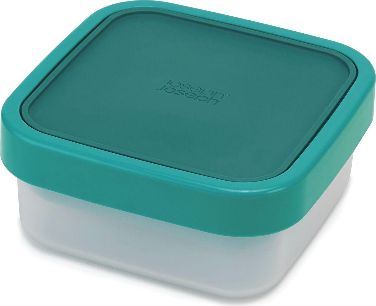 Ланч-бокс компактный Joseph Joseph GoEat, для салатов, цвет: изумрудный81066Функциональный контейнер для салатов, который поможет хранить хрупкие салатные листья отдельно от тяжелых или жидких ингредиентов. Состоит из вместительного основного контейнера для сухих составляющих салата, небольшого верхнего отделения для жидких продуктов или снеков, капсулы для соусов, силиконовой крышки и блокирующего кольца. После приема пищи верхнее отделение компактно вкладывается внутрь основного, экономя место в сумке. Можно мыть в посудомоечной машине. Контейнер и крышки можно разогревать в микроволновой печи, предварительно удалив блокирующее кольцо.