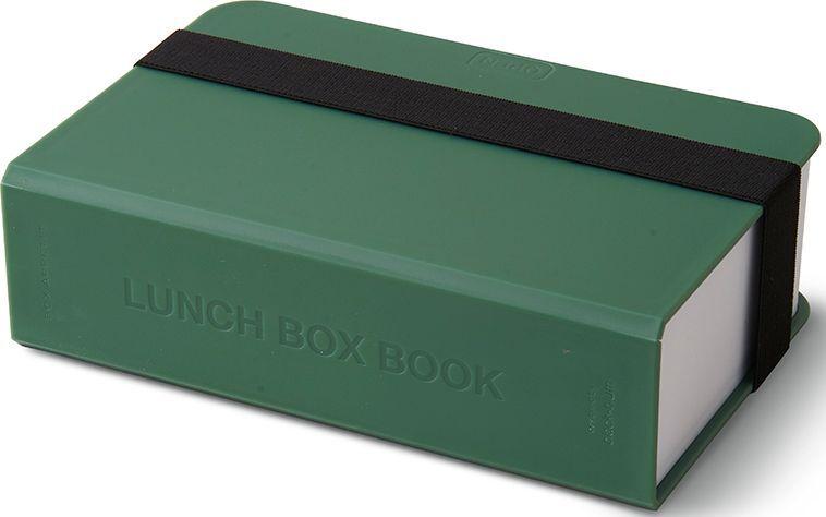 Ланч-бокс Black+Blum Book, цвет: оливковый, 1,5 лBK-LB010Оригинальный ланч-бокс в виде книги. Вместительный контейнер позволяет брать с собой не только еду, но и небольшую бутылку любимого напитка. Во внутренней части предусмотрен съемный пластиковый разделитель, который необходим для разграничения порций или видов пищи. Скругленная форма углов придает дизайну дополнительную изюминку. Такой необычный ланч-бокс станет хорошим подарком для всех ценителей здорового образа жизни.Изделие дополнено эластичным держателем, плотно фиксирующим крышку и лоток. Модель изготовлена из полипропилена, в составе отсутствуют вредные BPА. Крышка бокса откидывается, ее можно использовать в качестве тарелки или подставки для еды.