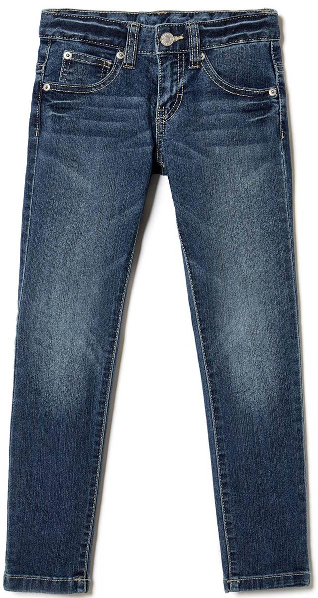 Джинсы для мальчика United Colors of Benetton, цвет: синий. 4CU9573E0_901. Размер 1404CU9573E0_901Стильные джинсы для мальчика идеально подойдут вашему ребенку для отдыха и прогулок. Изготовленные из качественного материала, они необычайно мягкие и приятные на ощупь, не сковывают движения и позволяют коже дышать, не раздражают даже самую нежную и чувствительную кожу ребенка, обеспечивая ему наибольший комфорт. Джинсы на талии застегиваются на металлическую пуговицу и имеют ширинку на застежке-молнии, имеются шлевки для ремня.