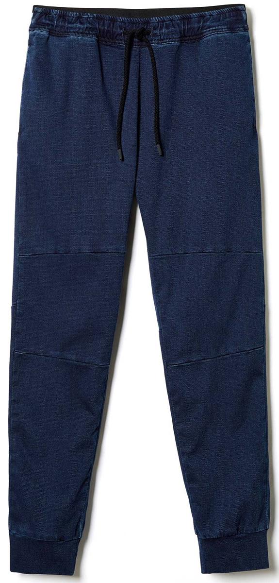 Брюки мужские United Colors of Benetton, цвет: синий. 4DE455BH8_901. Размер M (48/50)4DE455BH8_901Стильные брюки идеально подойдут для отдыха и прогулок. Изготовленные из высококачественного материала, они необычайно мягкие и приятные на ощупь. Брюки на талии имеют широкую эластичную резинку.