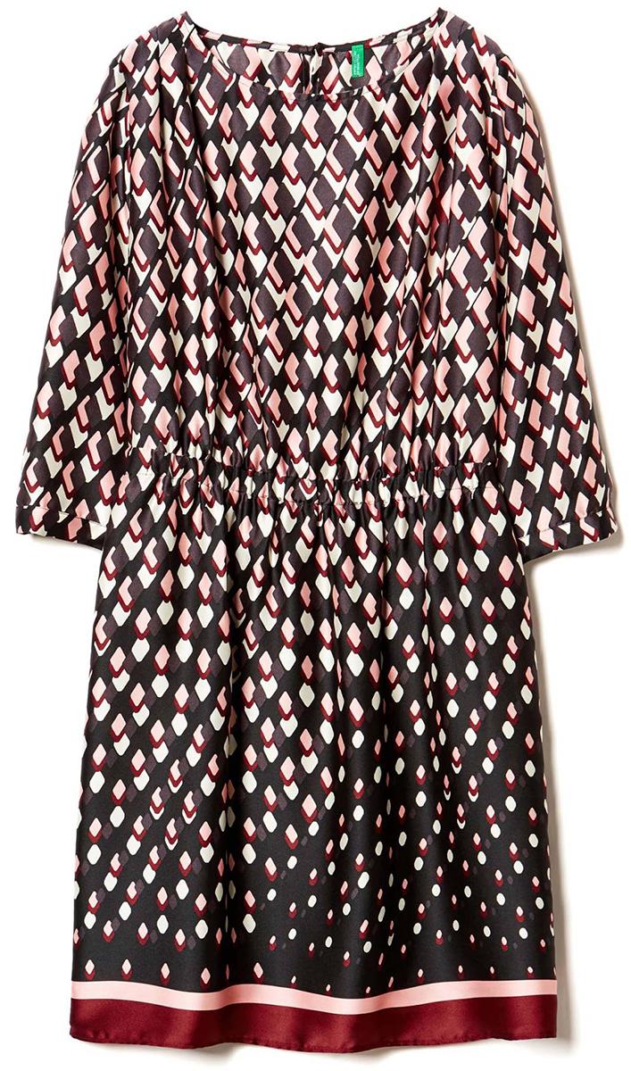 Платье United Colors of Benetton, цвет: коричневый. 4DK15V813_67G. Размер S (42/44)4DK15V813_67GПлатье United Colors of Benetton выполнено из полиэстера. Модель с круглым вырезом горловины и длинными рукавами.