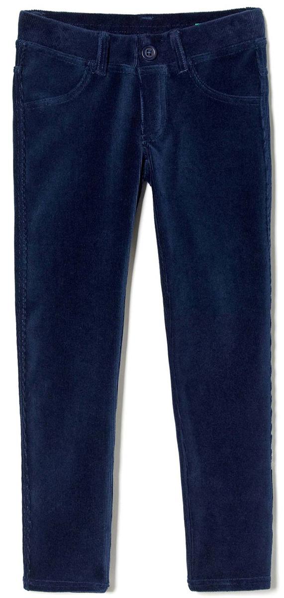 Брюки для девочки United Colors of Benetton, цвет: синий. 4DZB576L0_13C. Размер 1604DZB576L0_13CСтильные брюки для девочки идеально подойдут для отдыха и прогулок. Изготовленные из высококачественного материала, они необычайно мягкие и приятные на ощупь, не сковывают движения малышки и позволяют коже дышать, не раздражают даже самую нежную и чувствительную кожу ребенка, обеспечивая наибольший комфорт. Брюки прямого кроя на талии имеют широкую эластичную резинку, благодаря чему они не сдавливают животик ребенка и не сползают. Оригинальный современный дизайн и модная расцветка делают эти брюки модным и стильным предметом детского гардероба.
