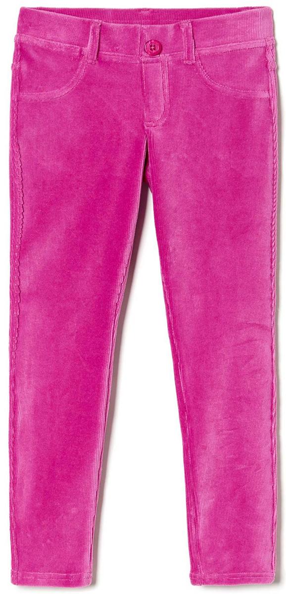 Брюки для девочки United Colors of Benetton, цвет: розовый. 4DZB576L0_14Y. Размер 824DZB576L0_14YСтильные брюки для девочки идеально подойдут для отдыха и прогулок. Изготовленные из высококачественного материала, они необычайно мягкие и приятные на ощупь, не сковывают движения малышки и позволяют коже дышать, не раздражают даже самую нежную и чувствительную кожу ребенка, обеспечивая наибольший комфорт. Брюки прямого кроя на талии имеют широкую эластичную резинку, благодаря чему они не сдавливают животик ребенка и не сползают. Оригинальный современный дизайн и модная расцветка делают эти брюки модным и стильным предметом детского гардероба.