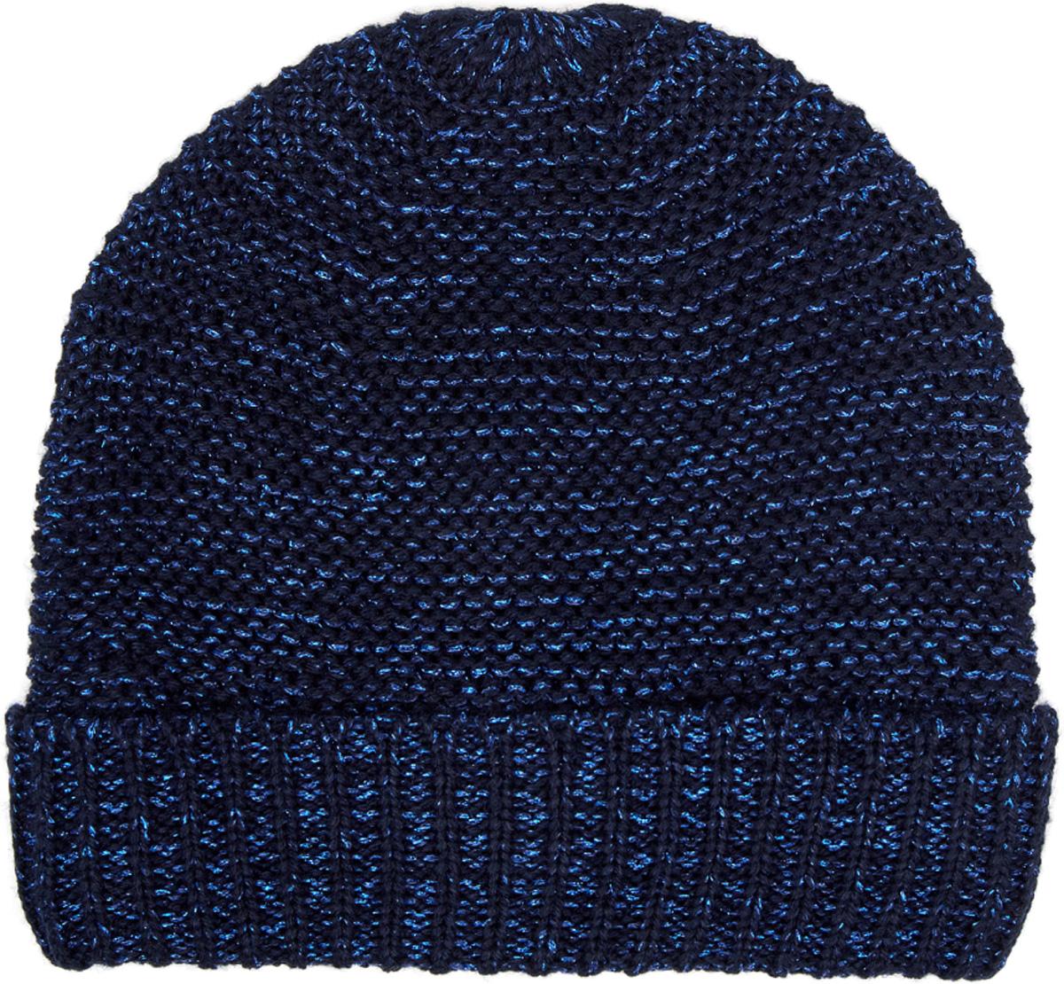 Шапка женская oodji, цвет: темно-синий. 47602062/45954/7900X. Размер XS/L (55/58)47602062/45954/7900XСтильная теплая вязаная шапка от oodji с отворотом. Отворот с вязкой в плотную резинку хорошо держит форму, сама шапка связана изнаночной гладью. Акриловая пряжа с добавлением метанита смотрится эффектно и интересно. Теплый и мягкий акрил обладает прекрасными характеристиками - хорошо греет, не садится после стирки. В этой шапке вам будет тепло даже в прохладную погоду.Стильная шапка с метанитом прекрасно сочетается с разной верхней одеждой – стегаными куртками, пуховиками, классическими и спортивными пальто, шубами. Универсальная шапка будет уместна в разных ситуациях: когда вы добираетесь до работы, учебы, прогуливаетесь в хорошую погоду по городу или путешествуете. Такая шапка может стать настоящей находкой для вашего теплого гардероба.