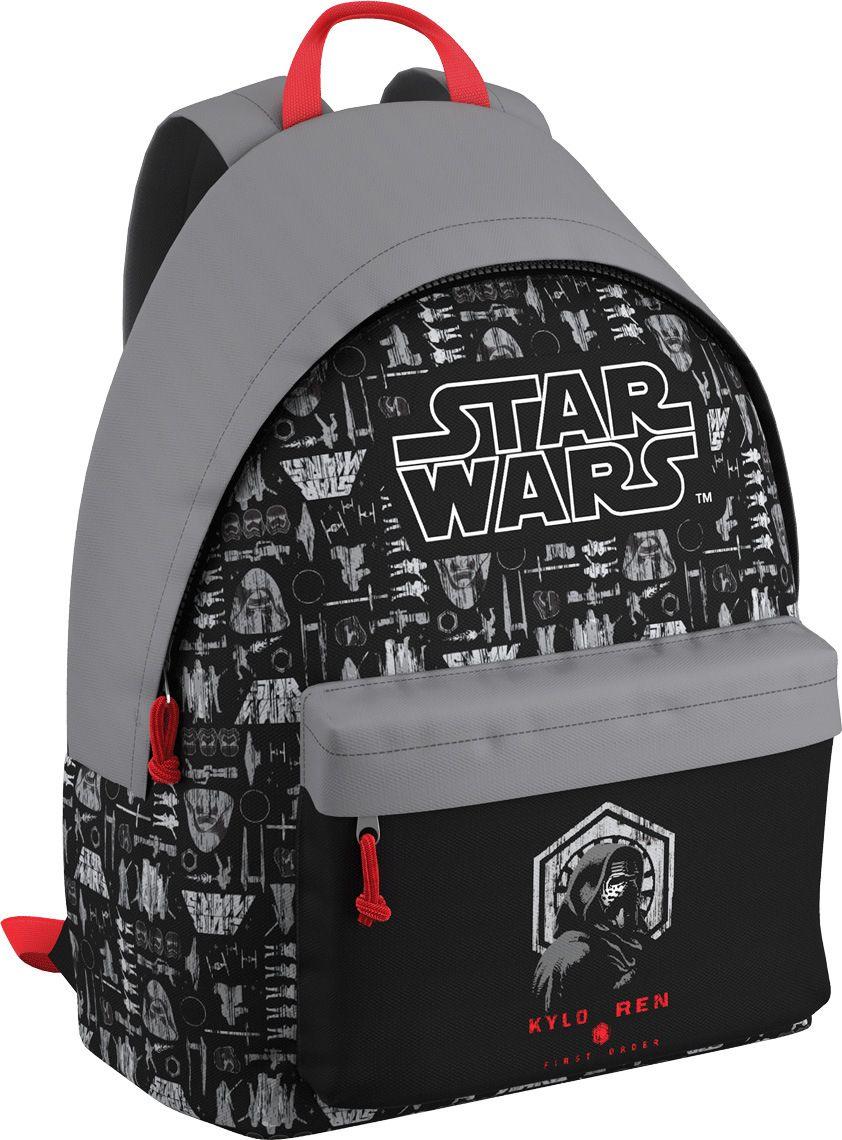 Star Wars Рюкзак Звездные Войны Решающая битва EasyGo42471Рюкзак Star Wars - это легкий и компактный городской рюкзак, выполненный из водонепроницаемого материала.Рюкзак содержит одно вместительное отделение и закрывается на молнию. В отделении предусмотрен органайзер. На внешней стороне изделия расположен большой накладной карман, закрывающийся на застежку-молнию.Ранец оснащен широкими лямками регулируемой длины и ручкой для переноски в руке.