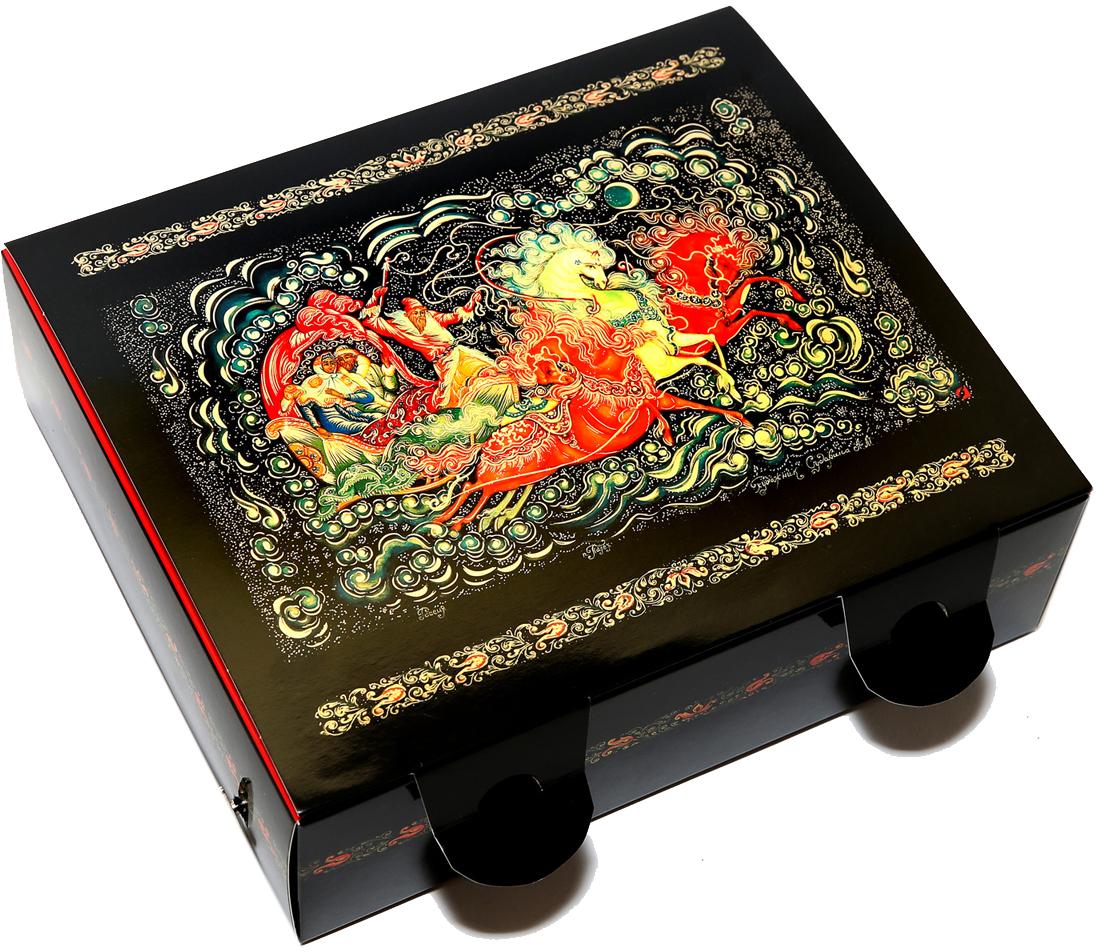 Правила Успеха подарочный набор Тройка. Гастрономия №1 травяной и цейлонский листовой чай, 100 г (музыкальная коробка)4610009214825Состав вложения:Жасминовый китайский чай (50 г) в коробке домик: Один из самых известных в мире жасминовых чаев. При его изготовлении чайные листья смешивают с полураспустившимися бутонами жасмина. Светло-желтый настой снимает усталость и напряжение, тонизирует.Цейлонский чай Рубин Цейлона (50 г) в коробке домик:Цейлонский черный чай с терпким вкусом и освежающим ароматом. Насыщенного цвета настой обладает тонизирующим эффектом.Золотые Орешки (3 шт) с предсказанием внутри, вбархатном красном мешочке: Мы нашли и отобралилучшие грецкие орехи, очистили скорлупу от ореха,положили туда записку с пожеланием и покрасили орехзолотой краской.Упаковка (дизайн Авторский - Палех):Музыкальная коробка с объемным бортом (самосборная, вырубная, 26 х 22,5 х 7,5см), 1 шт. Музыкальный механизм заводной! Заводишь ключиком и музыка играет!Коробка домик (самосборная, вырубная, 9 х 18 х 5 см), 2 штБархатный мешочек, 1 штОткрытка, 1 шт