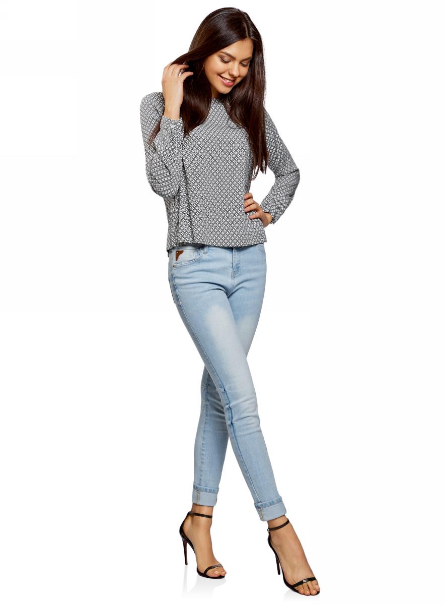 Джинсы женские oodji Ultra, цвет: голубой. 12103161/46341/7000W. Размер 26-32 (42-32)12103161/46341/7000WСтильные джинсы Skinny от oodji с декоративными потертостями и заломами. Модель с классическими пятью карманами и шлевками для ремня на поясе. Облегающие джинсы с завышенной талией плотно охватывают бедра и подчеркивают силуэт. Деним из хлопка комфортен в ношении: дышит, не вызывает аллергии. А благодаря добавлению эластана джинсы тянутся и не стесняют движений. Модель отлично сидит и прекрасно смотрится на любой фигуре.Джинсы Skinny идеально подойдут для повседневных нарядов. Они универсальны и будут уместны в любой неформальной ситуации: на работе, учебе, встрече с друзьями, на свидании и во время путешествий. Джинсы хорошо сочетаются с разными по стилю вещами: тонкими и изящными блузками, спортивными свитшотами, отрытыми топами и теплыми джемперами. С такими джинсами вы легко сможете создать стильные луки для разных ситуаций и погодных условий. Эффектные и универсальные джинсы – отличный вариант на каждый день!