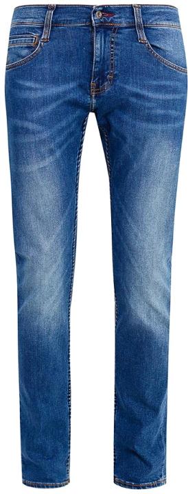 Джинсы мужские Mustang Oregon Tapered, цвет: синий. 3116-5764-048_5000-212. Размер 32-34 (48-34)3116-5764-048_5000-212Джинсы MUSTANG изготовлены из качественного материала на основе хлопка. Джинсы застегиваются на пуговицу в поясе и ширинку на застежке-молнии, дополнены шлевками для ремня. Спереди модель оформлена двумя втачными карманами и одним маленьким накладным, сзади - двумя накладными карманами. Изделие дополнено декоративными потертостями.