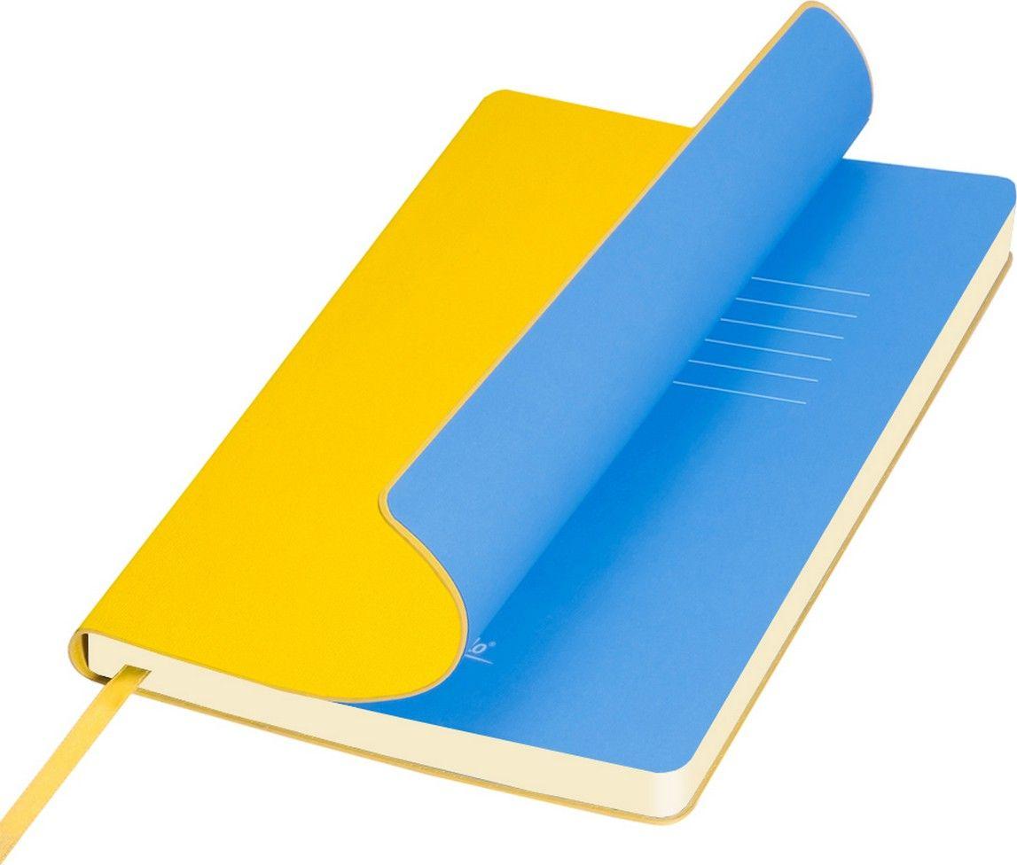 Portobello Trend Ежедневник недатированный Sky 128 листов цвет желтый голубойLXX1401141-075/1Мягкая обложка выполнена из материала вельвет с чуть заметно проступающей фактурой нубука. На ощупь гладкая. Форзацы – цветные. Цвета-компаньоны форзацев и срезов подобраны идеально, что предполагает гармоничное визуальное восприятие. Срез ежедневника не окрашен.
