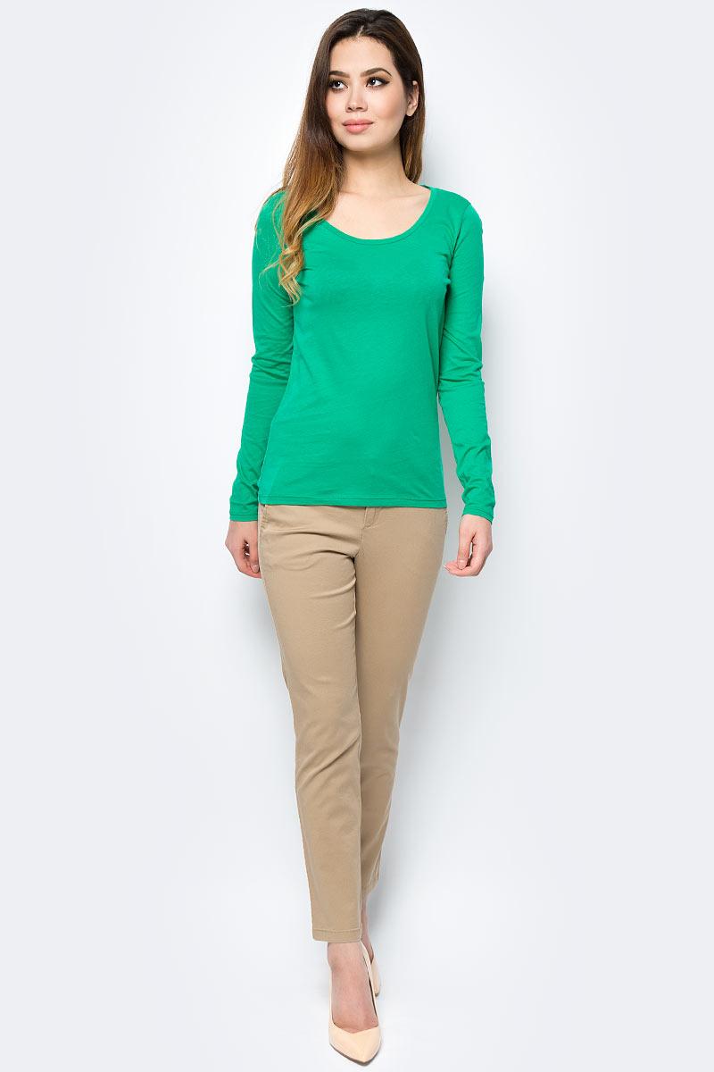 Брюки женские United Colors of Benetton, цвет: бежевый. 4BYW555K3_193. Размер 44 (46)4BYW555K3_193Женские брюки United Colors of Benetton станут модным дополнением к вашему гардеробу. Изготовленные из качественного материала, они мягкие и приятные на ощупь, не сковывают движения и позволяют коже дышать.Современный дизайн и расцветка делают эти брюки стильным предметом одежды, они отлично дополнят ваш образ и подчеркнут неповторимый стиль.
