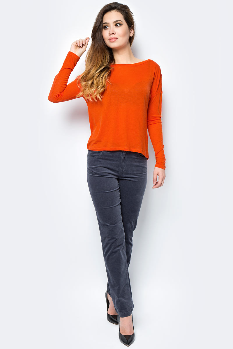 Брюки женские United Colors of Benetton, цвет: серый. 4AH7571L5_144. Размер 38 (40)4AH7571L5_144Женские брюки United Colors of Benetton станут модным дополнением к вашему гардеробу. Изготовленные из качественного материала, они мягкие и приятные на ощупь, не сковывают движения и позволяют коже дышать.Современный дизайн и расцветка делают эти брюки стильным предметом одежды, они отлично дополнят ваш образ и подчеркнут неповторимый стиль.