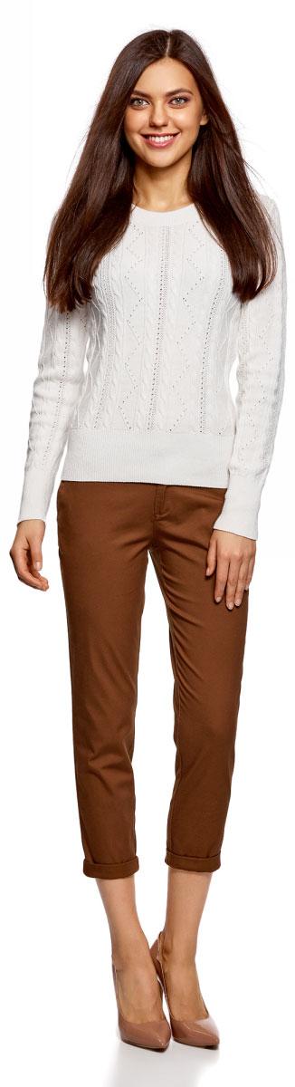 Брюки женские oodji Ultra, цвет: темно-коричневый. 11706207B/32887/3900N. Размер 34-170 (40-170)11706207B/32887/3900NЖенские брюки oodji выполнены из качественной смесовой ткани. Брюки застегиваются на молнию с пуговицей и дополнены шлевками для ремня. Зауженная укороченная модель оформлена врезными карманами и подгибкой по низу брючин.