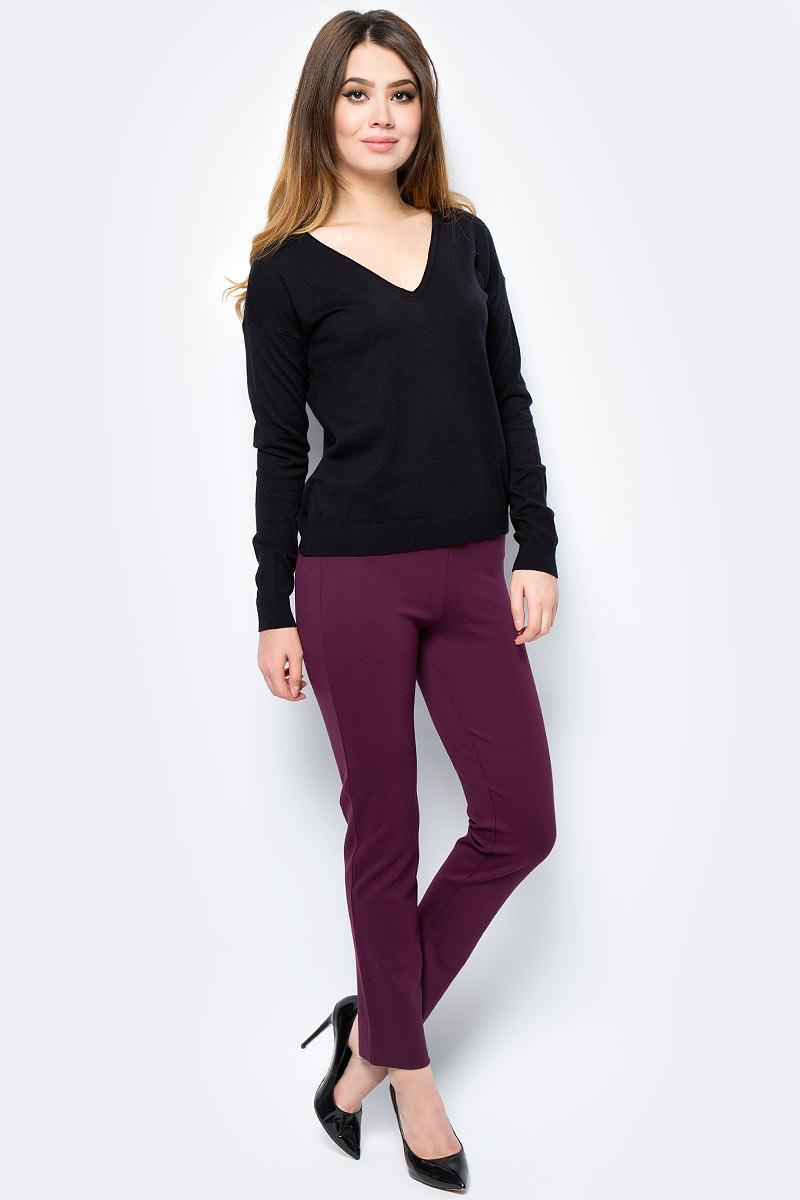 Пуловер женский United Colors of Benetton, цвет: черный. 12EAD4324_100. Размер XS (40/42)12EAD4324_100Пуловер женский United Colors of Benetton выполнен из качественного материала. Модель с V-образным вырезом горловины и длинными рукавами.