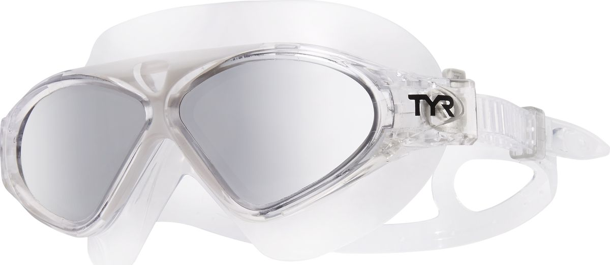 Маска для плавания Tyr Magna Swim Mask Polarized, цвет: серебристый, белый. LGMSMPLGMSMPМаска TYR Magna Swim Mask с поляризационными линзами отлично подойдет как для занятий спортом и отдыхом на открытой воде, так и для тренировок в бассейне. Широкие поляризационные линзы защитят вас от ультрафиолетовых лучей и обеспечат ясность, оптическую точность и комфорт, отфильтровывая 99.9% от бликов с поверхности воды, которые приводят к усталости глаз. Уплотнитель и ремешок изготовленные из силикона, обеспечивают комфортную и удобную посадку маски. Легкая настройка маски позволит подобрать нужный вам размер.