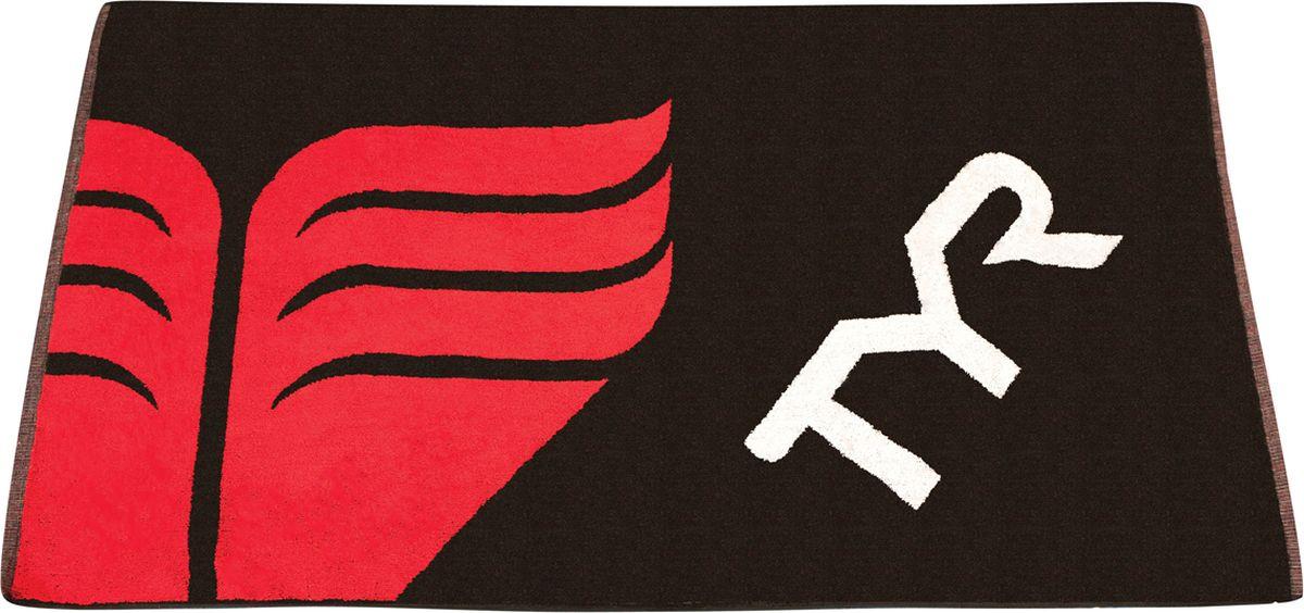 Полотенце хлопковое TYR Towel, цвет: черный, красный. TWTYRTWTYRПолотенце TYR изготовлено из натурального чистого хлопка, не вызывает раздражения кожи и других аллергических реакций. Полотенце большого размера можно использовать как в домашних условиях, так и брать с собой в бассейн и на побережье. Полотенце оформлено логотипом TYR.