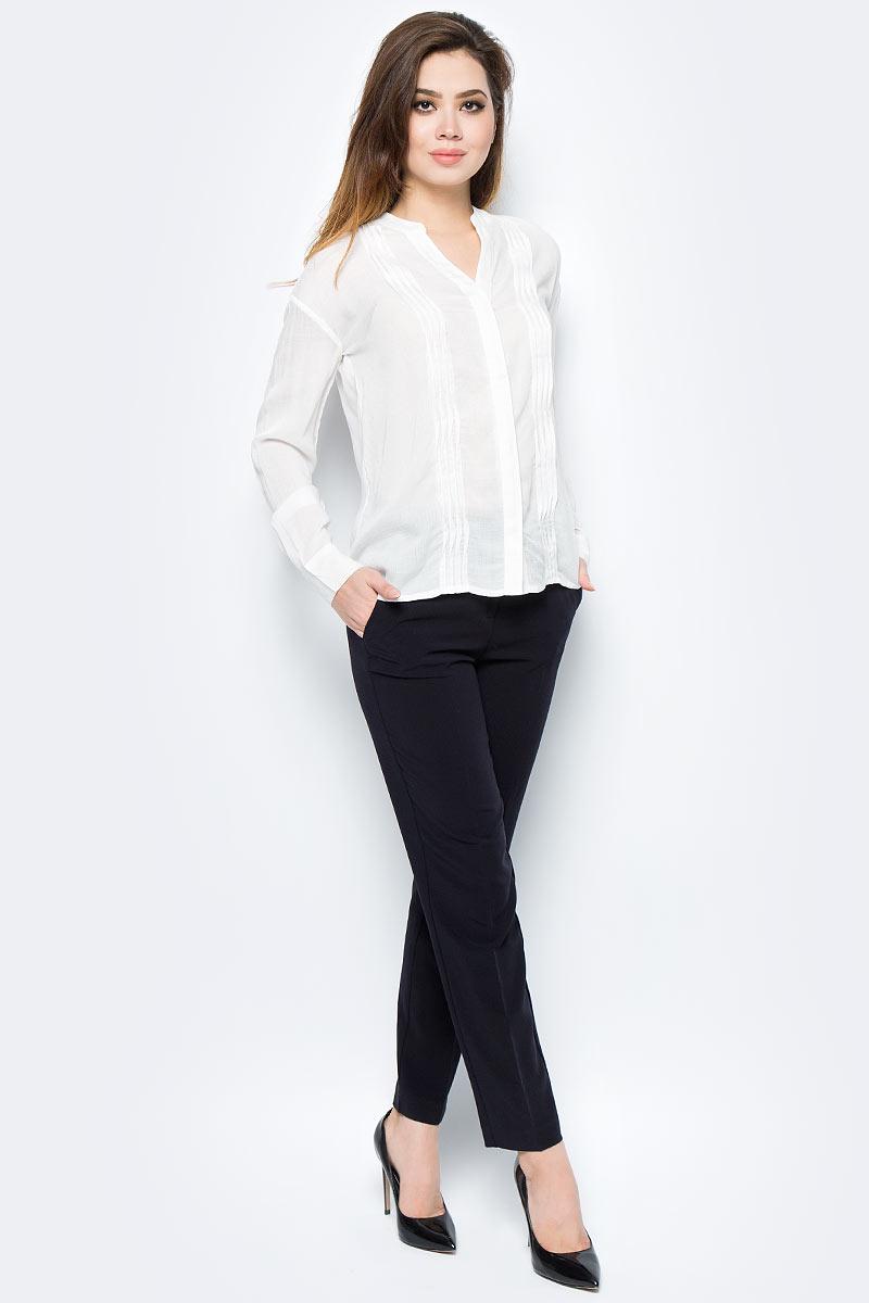 Блузка женская United Colors of Benetton, цвет: белый. 5UG65Q873_074. Размер M (44/46)5UG65Q873_074Блузка женская United Colors of Benetton выполнена из модала. Модель с V-образным вырезом горловины и длинными рукавами.