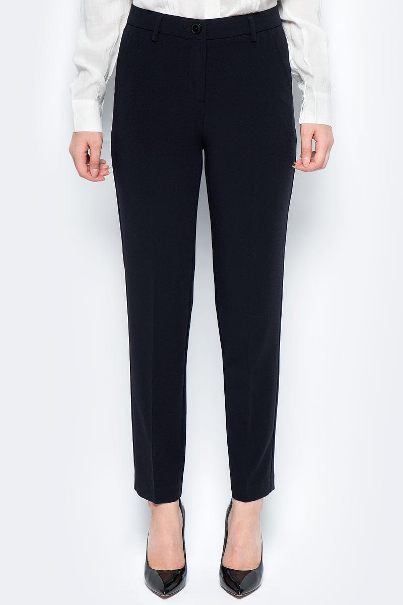 Брюки женские United Colors of Benetton, цвет: черный. 4DP6550W4_100. Размер 42 (44)4DP6550W4_100Стильные женские брюки United Colors of Benetton созданы специально для того, чтобы подчеркивать достоинства вашей фигуры. Брюки застегиваются на комбинированную застежку. Эти модные и в тоже время комфортные брюки послужат отличным дополнением к вашему гардеробу.