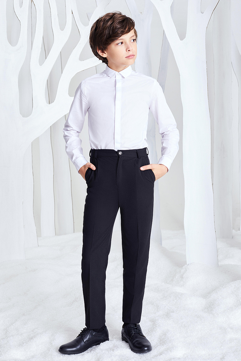 Рубашка для мальчика Смена, цвет: белый. 16с248. Размер 98/10416с248Сорочка для торжественных случаев из смесового хлопка, с отложным воротником и длинными втачными рукавами с шлицей и манжетами. Дополнена супатной застежкой.