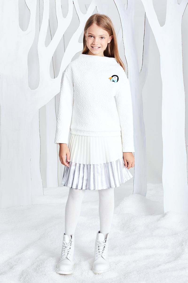 Юбка для девочки Смена, цвет: серый. 17с253. Размер 110/11617с253Плиссированная юбка А-силуэта на подкладке из смесовой вискозы с поясом-резинкой из серебристого люрекса. Нижняя часть юбки выполнена из серебристой отделочной ткани.