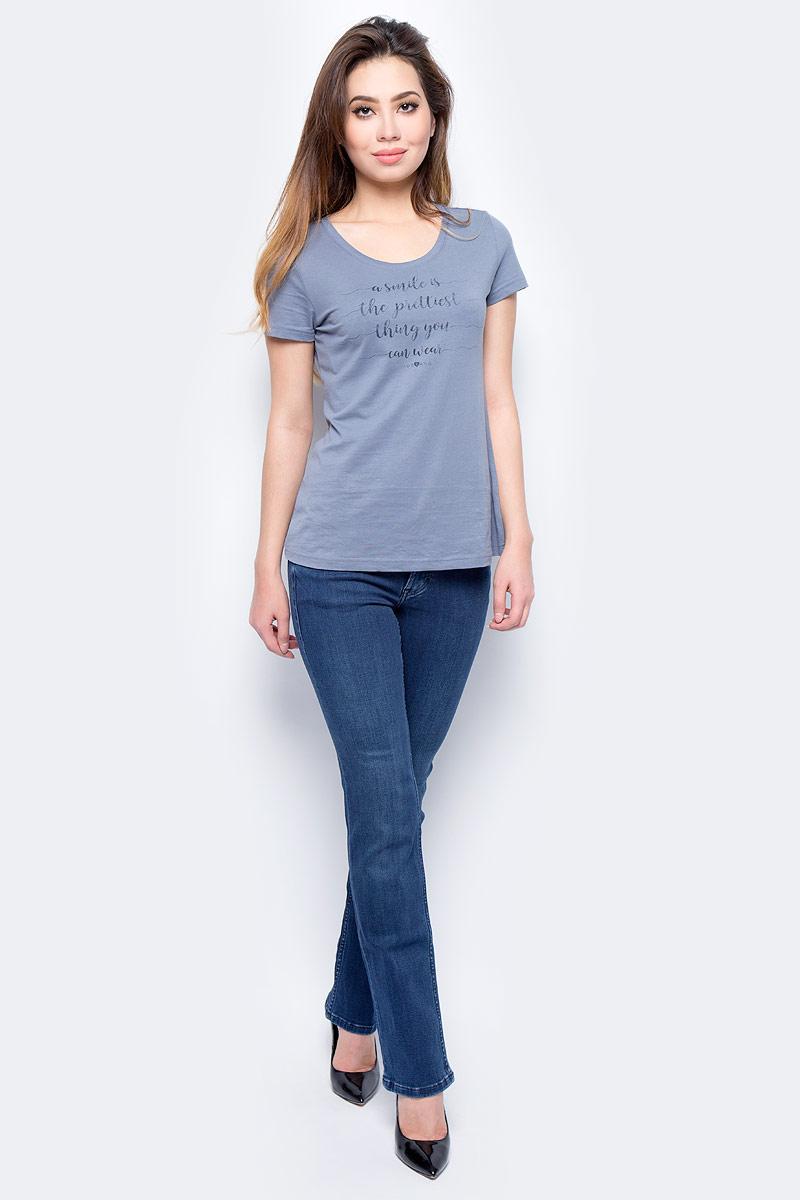 Джинсы женские Mustang Girls Oregon, цвет: синий. 3580-5781-077_077. Размер 27-32 (42/44-32)3580-5781-077_077Джинсы MUSTANG изготовлены из качественного материала на основе хлопка. Джинсы застегиваются на пуговицу в поясе и ширинку на застежке-молнии, дополнены шлевками для ремня. Спереди модель оформлена двумя втачными карманами и одним маленьким накладным, сзади - двумя накладными карманами.