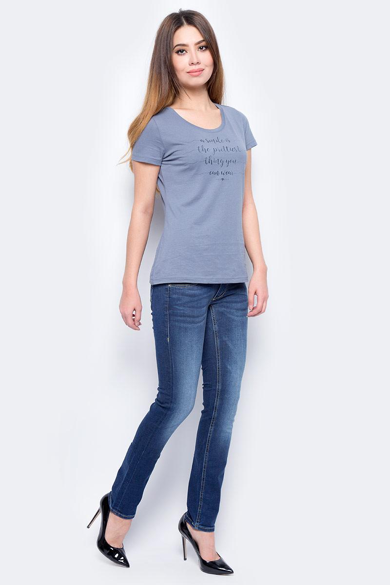 Джинсы женские Mustang Gina Skinny, цвет: синий. 3588-5779-077_077. Размер 30-32 (46-32)3588-5779-077_077Джинсы MUSTANG изготовлены из качественного материала на основе хлопка. Джинсы застегиваются на пуговицу в поясе и ширинку на застежке-молнии, дополнены шлевками для ремня. Спереди модель оформлена двумя втачными карманами и одним маленьким накладным, сзади - двумя накладными карманами. Изделие дополнено декоративными потертостями.