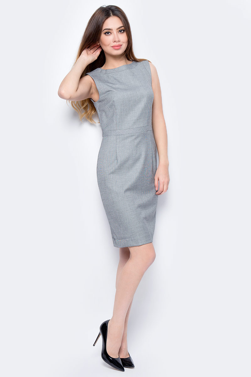 Платье United Colors of Benetton, цвет: серый. 4AL05V824_908. Размер S (42/44)4AL05V824_908Платье United Colors of Benetton выполнено из качественного материала. Модель с круглым вырезом горловины сзади застегивается на застежку-молнию.
