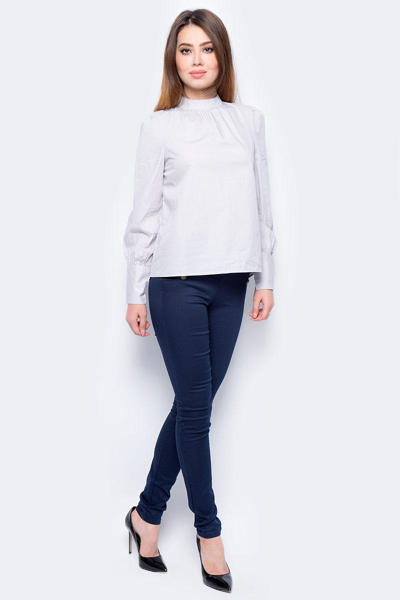 Джинсы женские Vero Moda, цвет: синий. 10183256_Navy Blazer. Размер XS-30 (40/42-30)10183256_Navy BlazerДжинсы облегающего кроя застегиваются на пуговицы по бокам. Модель выполнена из высококачественного комбинированного материала.Эти модные и в тоже время комфортные джинсы послужат отличным дополнением к вашему гардеробу.