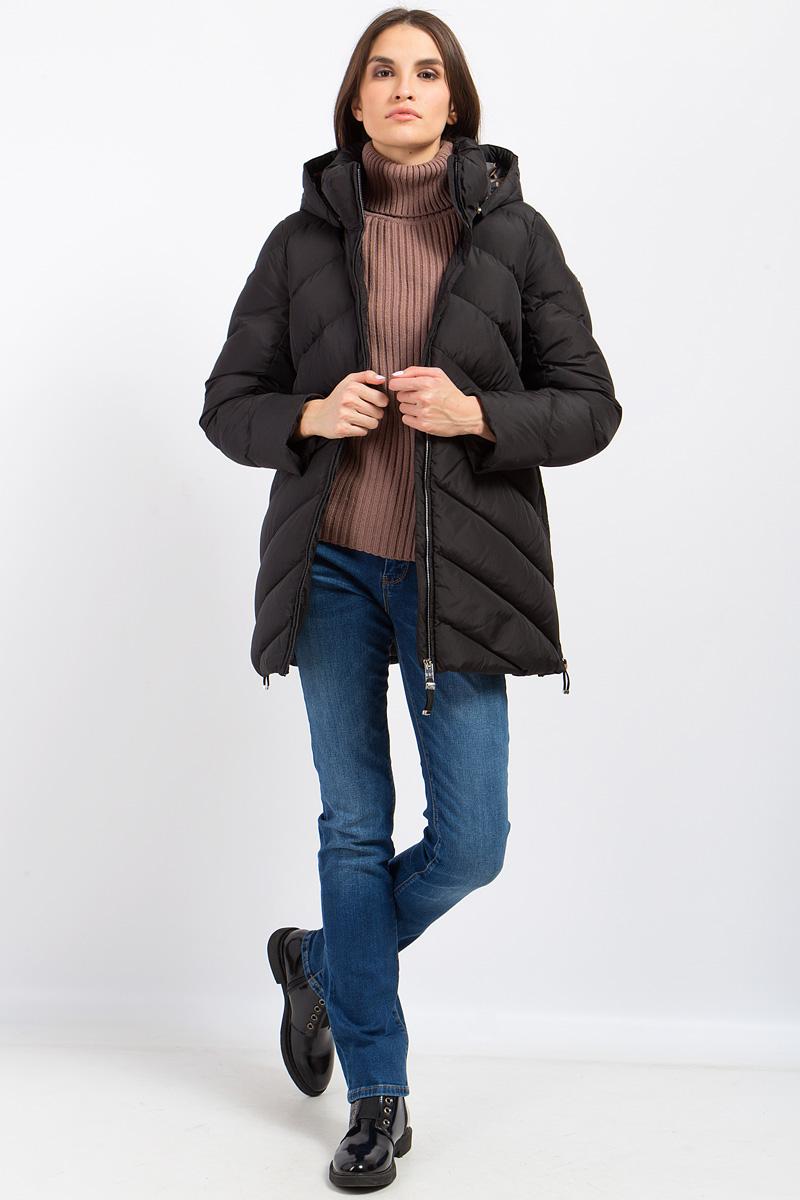 Куртка женская Finn Flare, цвет: черный. W17-12003_200. Размер L (48)W17-12003_200Теплая пуховая куртка Finn Flare прямого кроя станет превосходным выбором для зимы. Диагональный стеганый узор придает модели оригинальность. Куртка изготовлена из высококачественного полиэстера. В качестве утеплителя используется пух с добавлением пера. Модель с воротником-стойкой и съемным капюшоном застегивается на застежку-молнию. Два боковых замка очень практичны. Благодаря высококачественному натуральному утеплителю никакие морозы в такой куртке вам не страшны!