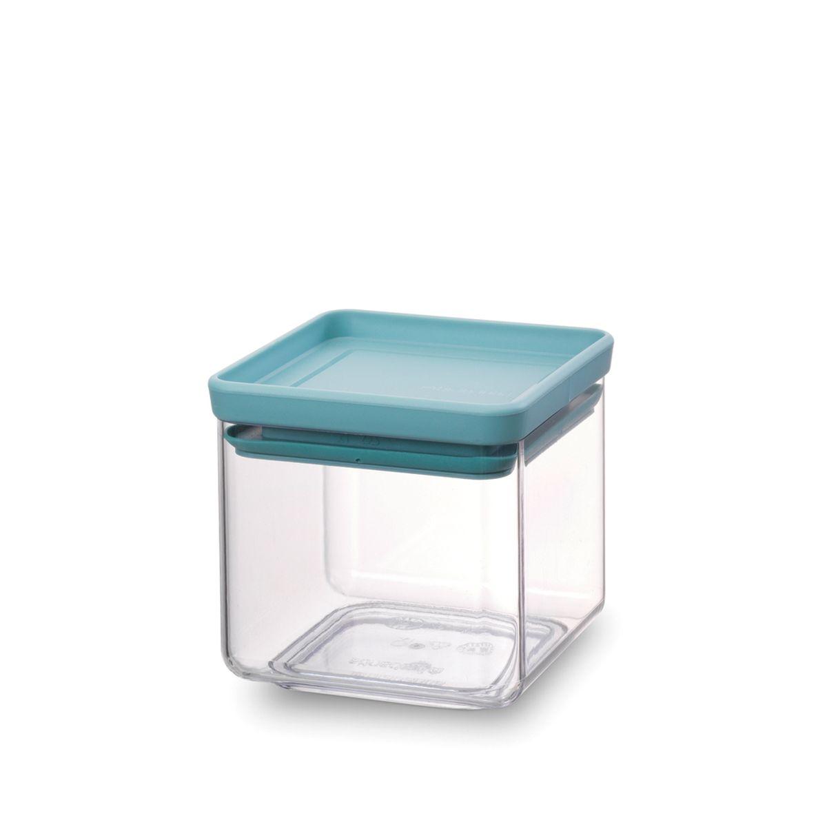 Контейнер для сыпучих продуктов Brabantia Tasty Colors, 700 мл. 290121290121Занимает мало места – контейнеры имеют прямоугольную форму и составляются один на другой. Продукты надолго сохраняют свежесть и аромат – силиконовый уплотнитель. Хорошо видно содержимое и его количество. Легко моется – можно мыть в посудомоечной машине. Прочный и абсолютно прозрачный – изготовлен из пластика. Входит в коллекцию «Tasty Colours».