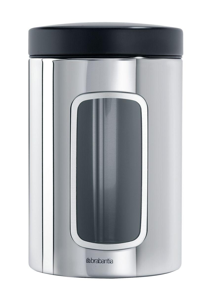 Контейнер для сыпучих продуктов Brabantia, цвет: стальной полированный, 1,4 л. 132803132803Практичное решение для хранения сыпучих продуктов, позволяющее дольше сохранять их свежесть.Не пропускает запах и сохраняет свежесть – защелкивающаяся крышка.Всегда видно содержимое – окошко из антистатических материалов.Легко чистится – контейнер имеет гладкую внутреннюю поверхность.Изготовлен из коррозионностойкой крашеной или лакированной стали с защитным цинк-алюминиевым покрытием.Основание с защитным покрытием.Покрытие с защитой от отпечатков пальцев (FPP).