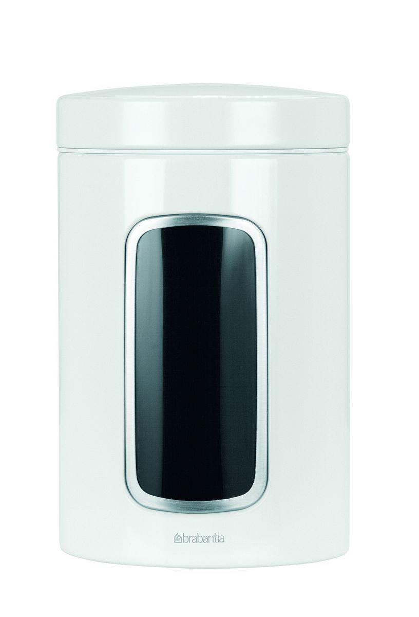 Контейнер для сыпучих продуктов Brabantia, цвет: белый, 1,4 л. 491009491009Практичное решение для хранения сыпучих продуктов, позволяющее дольше сохранять их свежесть.Не пропускает запах и сохраняет свежесть – защелкивающаяся крышка.Всегда видно содержимое – окошко из антистатических материалов.Легко чистится – контейнер имеет гладкую внутреннюю поверхность.Изготовлен из коррозионностойкой крашеной или лакированной стали с защитным цинк-алюминиевым покрытием.Основание с защитным покрытием.Покрытие с защитой от отпечатков пальцев (FPP).