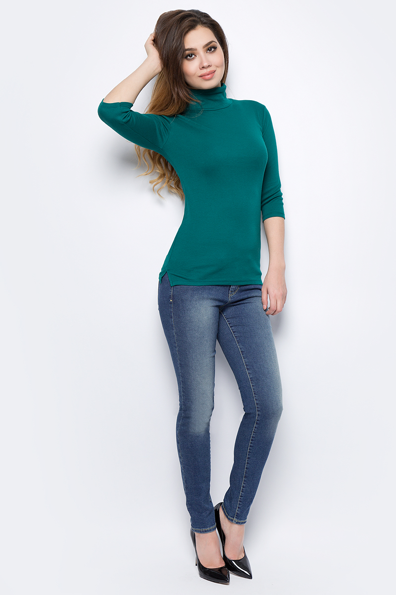 Джинсы женские United Colors of Benetton, цвет: синий. 4AL2572W4_901. Размер 28 (44)4AL2572W4_901Стильные женские джинсы United Colors of Benetton созданы специально для того, чтобы подчеркивать достоинства вашей фигуры. Джинсы застегиваются на металлическую пуговицу в поясе и ширинку на застежке-молнии, имеются шлевки для ремня. Эти модные и в тоже время комфортные джинсы послужат отличным дополнением к вашему гардеробу.