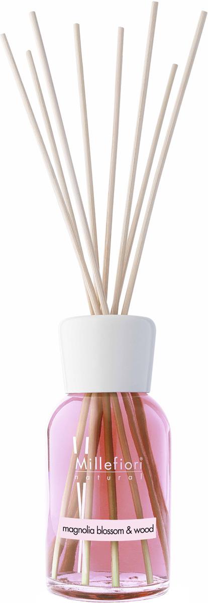 Диффузор ароматический Millefiori Milano Natural, цветы магнолии и дерево, с палочками, 100 мл7MDMWЦветок экстравагантной красоты раскрывается в этом свежем и очаровательном аромате, где нежные ароматы лепестков переплетаются с щедрыми цветочными цветущими нотами магнолии, чтобы раскрыть изысканные древесные ноты.Базовые ноты: бергамот, яблоко, зелень. Средние ноты: Магнолия, Роза, Фиалка Верхние ноты: Пачули, Янтарь, Сандаловое дерево