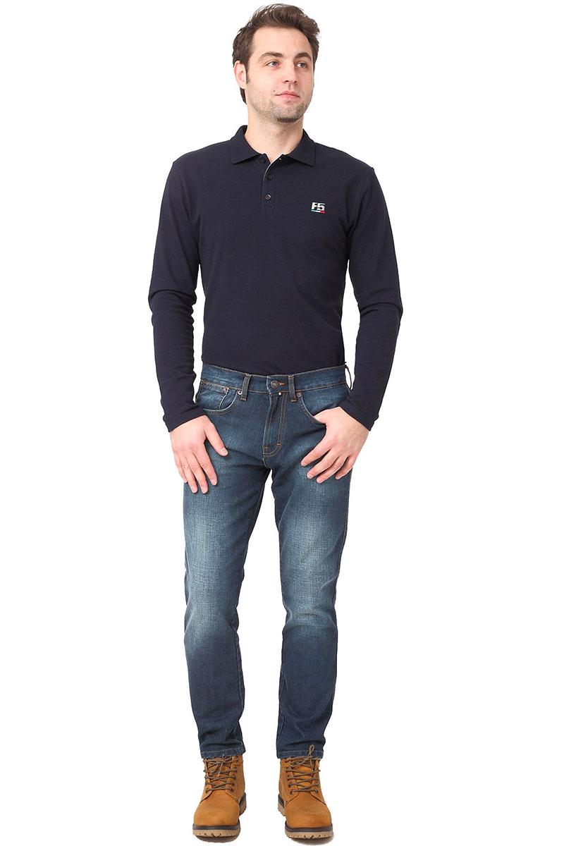 Джинсы мужские F5, цвет: синий. 275019_w.dark. Размер 34-32 (50-32)275019_w.darkСтильные мужские джинсы F5 выполнены из натурального хлопка. Джинсы застегиваются на металлическую пуговицу в поясе и ширинку на застежке-молнии, имеются шлевки для ремня. Изделие дополнено спереди двумя втачными карманами и одним маленьким накладным кармашком, а сзади - двумя накладными карманами. Оформлена модель контрастной прострочкой и сзади на поясе фирменной нашивкой.
