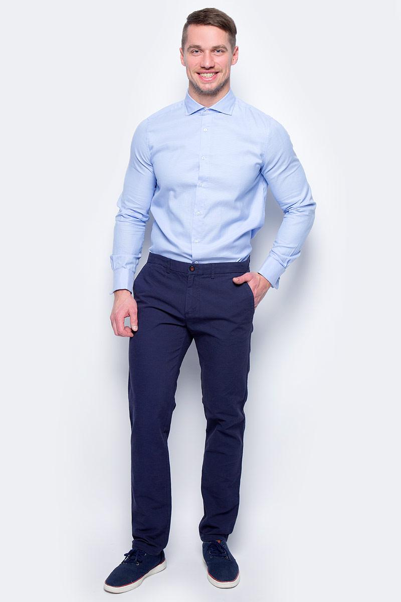 Брюки мужские United Colors of Benetton, цвет: синий. 4DD855BV8_903. Размер 564DD855BV8_903Стильные мужские брюки United Colors of Benetton выполнены из качественного материала. Брюки застегиваются на комбинированную застежку. Эти модные и в тоже время комфортные брюки послужат отличным дополнением к вашему гардеробу.