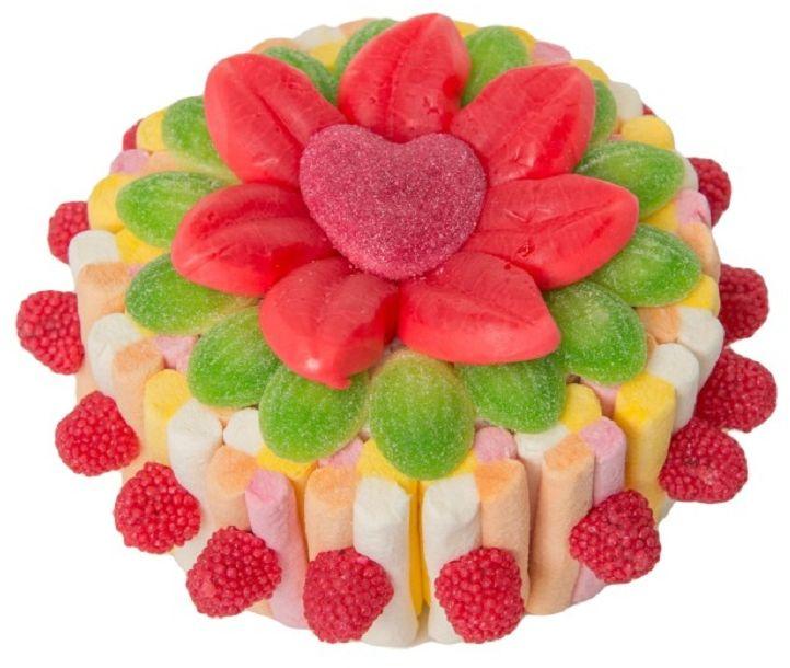 Торт набор жевательного мармелада и зефира, 350 г0071022021Восхитительный набор европейского премиального жевательного мармелада и маршмеллоу, выполненный в форме торта, станет изысканным украшением праздничного стола, или сладким подарком, который не оставит никого равнодушным.В наборе используется несколько видов мармелада разных вкусов и форм, гармонично сочетающихся между собой, что позволяет в полной мере насладиться разнообразием полезного лакомства!Подарочная упаковка в форме трюфеля, с атласной лентой и бантом делает набор торжественным, а праздничный образ завершенным.Уважаемые клиенты! Обращаем ваше внимание, что форму кондитерскому изделию придает пенопласт, находящийся в центре торта.