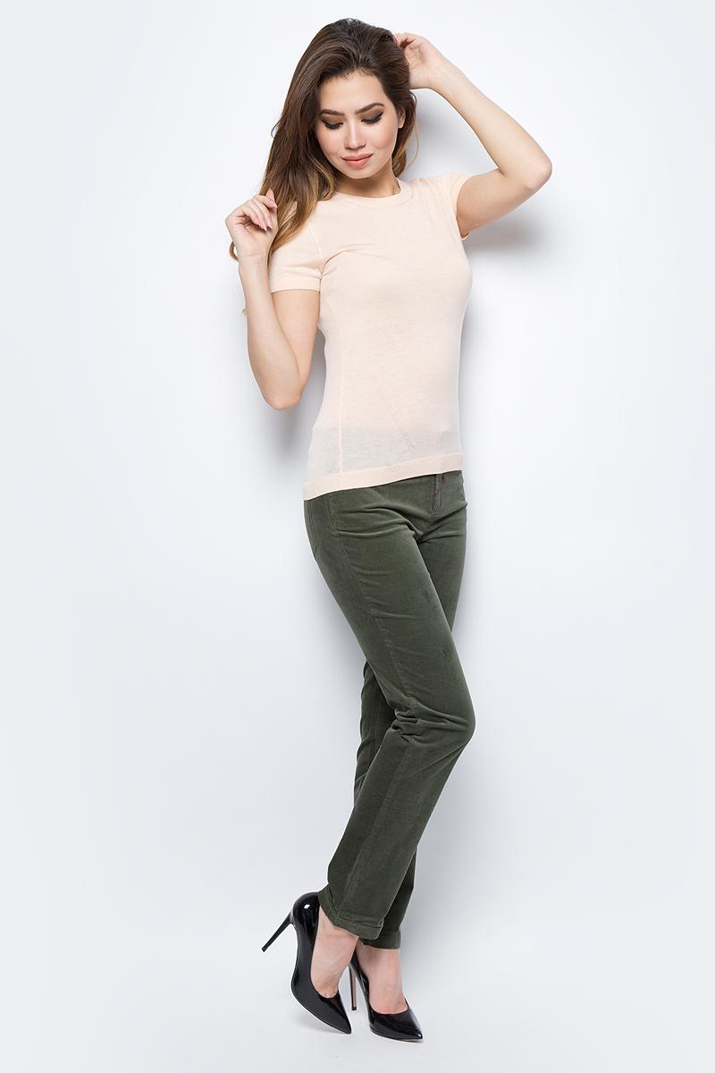 Брюки женские United Colors of Benetton, цвет: хаки. 4AH7571L5_12G. Размер 38 (40)4AH7571L5_12GЖенские брюки United Colors of Benetton станут модным дополнением к вашему гардеробу. Изготовленные из качественного материала, они мягкие и приятные на ощупь, не сковывают движения и позволяют коже дышать.Современный дизайн и расцветка делают эти брюки стильным предметом одежды, они отлично дополнят ваш образ и подчеркнут неповторимый стиль.